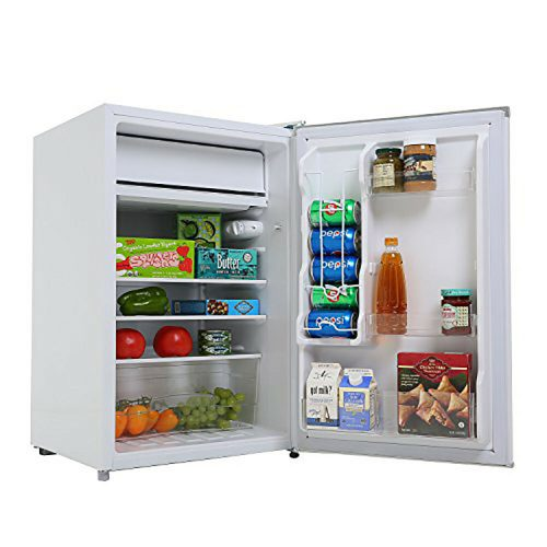 Black and Decker 4.3-Cubic Foot Compact Refrigerator --1