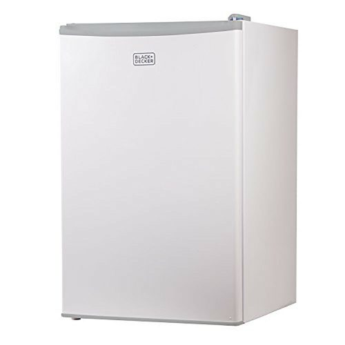 Black and Decker 4.3-Cubic Foot Compact Refrigerator -- 5