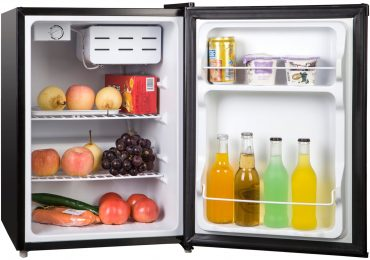 Magic Chef 2.4-Cubic Foot Compact Refrigerator [Detailed Review]