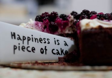 How Long Does Cheesecake Last In The Refrigerator?