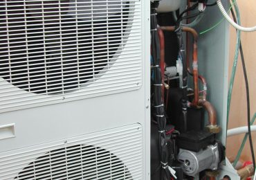 How Does a Heat Pump Resemble a Refrigeration System?