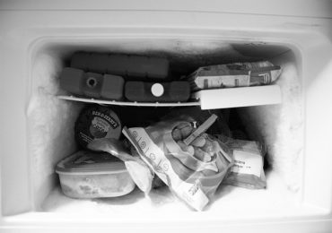 How Long Does It Take to Defrost a Refrigerator Freezer?
