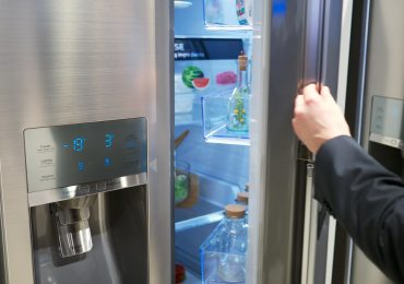How to Connect an iPhone to a Samsung Refrigerator